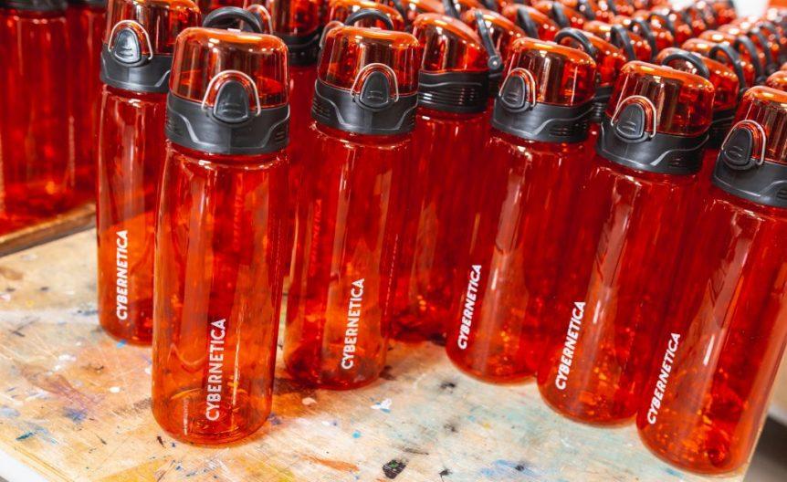 joogipudelile logo trükkimine Markly siiditrükk